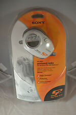 New Sony S2 Sports Armband Radio Walkman SRF-M85V Factory Sealed & Headphones