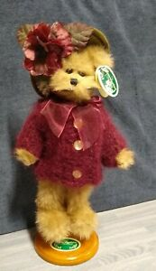 """The Bearington Collection- Melody Bear 8"""" comes with display stand #1433 New"""