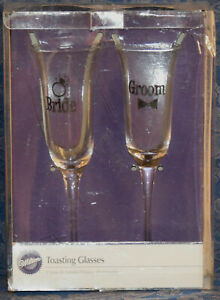 WILTON Bride & Groom TOASTING GLASSES, Wedding Champagne !!! NEW in OPEN BOX !!!