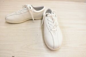 Easy Spirit AP1 Comfort Shoe, Women's Size 9W, White