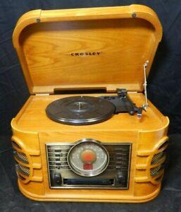 CROSLEY CR88-CD TABLETOP AM/FM RADIO CD PLAYER RECORD PLAYER