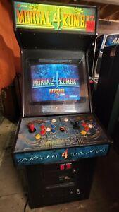 Mortal Kombat 4 Video Arcade Game. Atlanta  #390
