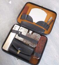 Nécessaire de toilette ancien accessoire vintage trousse complète flacons brosse
