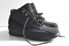 Toe Warmers Womens 6.5 leather ankle Boots made in Canada