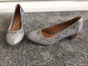 Clarks Artisan Size 5/38 D Grey/ Duck Egg Blue Block Heel Court Shoes
