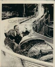 1976 Press Photo Tennessee Governor Ray Blanton Rides Flume Zoom Opryland Park