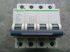 1 disjoncteur tetra schneider C60N 10 ka  20 amp courbe C