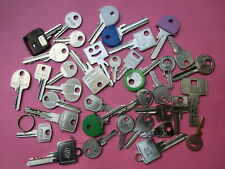 SCHLÜSSEL - großes Konvolut alter Schlüssel für Schließzylinder - 36 Schlüssel