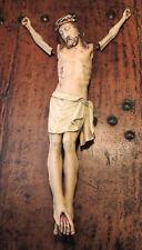 Grand Christ en bois et plâtre peint au petits bras, ajout ? perspective?  XVIII
