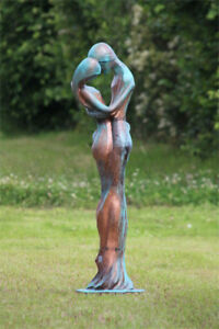 Gartenfigur Liebespaar Tristan & Isolde Steinguss Kupfer Skulptur Gartendeko