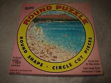 "Vtg Fairchild 650+ pc Waikiki Beach Honolulu Hi 19"" round jigsaw puzzle, #1700"