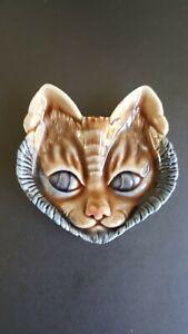 SMALL WADE CAT PORCELAIN PLAQUE / PIN DISH