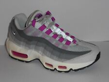 f21bf80801 Nike Air Max 95 Womens Formateur En Cours D'exécution Chaussure Taille 4  Neuf