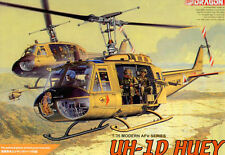 Dragon 1/35 3538 UH-1D HUEY Helicopter w/Four Crew (3311)