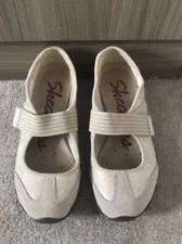 Ladies Beige Sketchers, Size 4, Excellent Condition