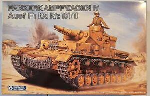 G-718 Gunze Sangyo 1/35  Panzerkampfwagen IV Ausf.F1 (Sd Kfz 161/1) Model Kit