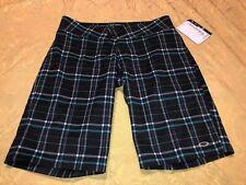 NWT Womens Oakley Gray Black Blue Plaid Golf Performance Apparel Shorts Sz 8