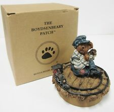 Boyds #654871-1 Brand New with Box Small Wooden Candle Topper  Displayer