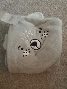 Grey Baby Hooded Towel With Wash Mitt New With Tags