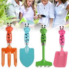 Kinder-Gartengeräte Set 4-teilig: Rechen, Fächerbesen, Spaten, Schaufel, Besen
