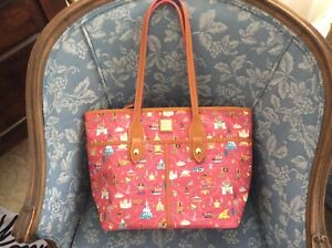 Disney Dooney & Bourke Disney Park Life Large Tote Bag  NWT