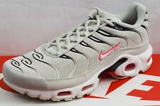 98399ba8d3 NIKE AIR MAX PLUS TN MEN'S TRAINERS BRAND NEW SIZE UK 7 ...