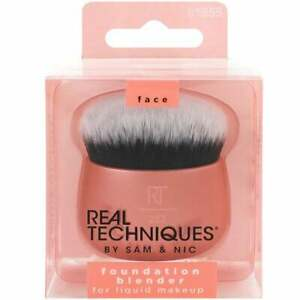 Real Techniques Foundation Blender Face Brush