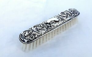 STERLING SILVER BACKED CLOTHES BRUSH - Broadway & Co, Birmingham, 1975.