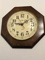 howard miller Wood wall clock 612-608 Quartz