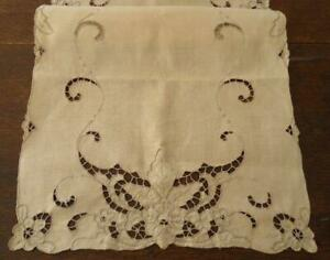 True Vintage Linen Table Runner Ecru Embroidered Cutwork Floral Unused