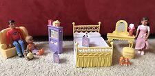 Mrs Goodbee Dollhouse Caring Corners Living Room & Bedroom Furniture 3 People