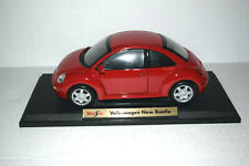 1/18 scale Maisto Volkswagen New Beetle in Red