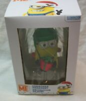 Despicable Me DAVE MINION w/ WINTER HAT and PRESENT CHRISTMAS TREE ORNAMENT NEW