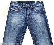 BNWT Diesel Zathan 8KK Jeans 26X30 100% Authentique Coupe régulière Bootcut