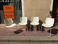 4 chaises retro vintage 1970 d'un bon designeur