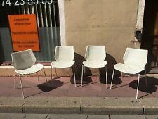 4 chaises retro vintage 1970 d'un bon designer