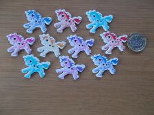 10 NEW UNICORN SHAPED WOODEN BUTTONS ASSORTED COLOURS SEWING CRAFTS #02