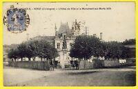 cpa 24 - VERGT (Dordogne) L' HÔTEL de VILLE et le MONUMENT aux MORTS 1870 Animée