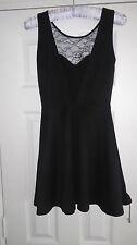 Femme h&m robe noire devant dentelle Vneck Taille 8 Ployester/ELASTHANE sans manches