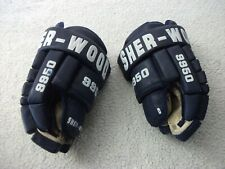 Sher-Wood 9950 14 Inch Dk Blue Hockey Gloves Over All Nice Gloves Priced To Sell