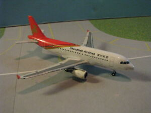 PHOENIX MODELS SHENZHEN AIRLINES A319 1:400 SCALE DIECAST METAL MODEL