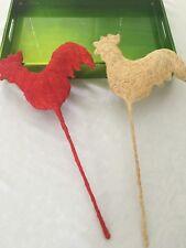 Ostern Deko Hahn Huhn rot beige Metall mit Jutte Sisal überzogen