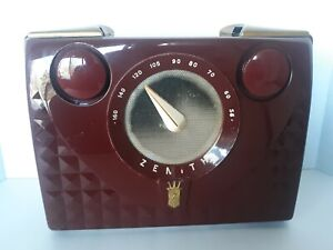VINTAGE 1952 ZENITH PORTABLE TUBE RADIO MODEL H401 PLASTIC