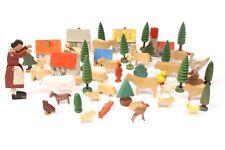 55 tlg. Antik Holz Spielzeug Set Tiere Bäume Häuser Gelenkfiguren Reifentiere