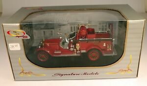 Signature Models #32371 1921 Amer LeFrance Fire Truck Diecast Vehicle 1/32 Scale