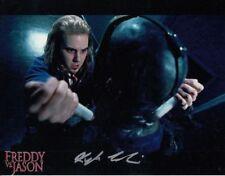 Kyle Labine-FREDDY VS. Jason-mano originale firmato di foto-HAND SIGNED