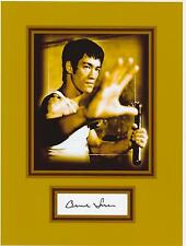 BRUCE LEE  8 by 10 REPRINT PHOTO & REPRINT  AUTOGRAPH ON GLOSSY PHOTO PAPER