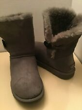 Uggs Australia Bailey Buttons 5803 women gray suede boots Size 7