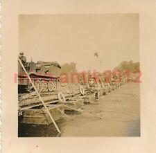 Foto, Wehrmacht, Überqueren einer Kriegsbrücke (1252)