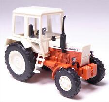 H0 BUSCH Traktor Belarus MTS - 82 Allradtraktor Exportmodell rot beige # 51307